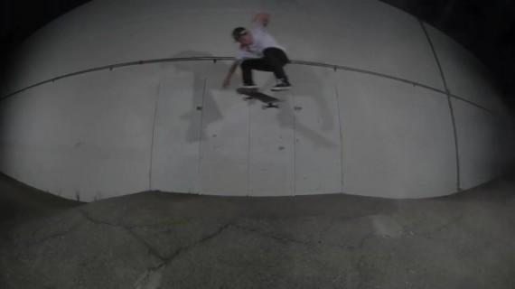 スケートボード Cody McEntire BS 180 kickflip