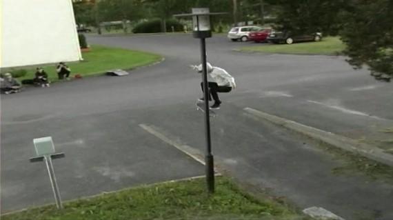 スケートボード動画 Kasperi Kropsu
