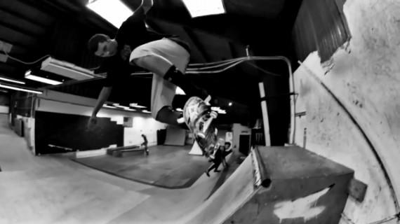 スケートボード動画 Andrew Langi