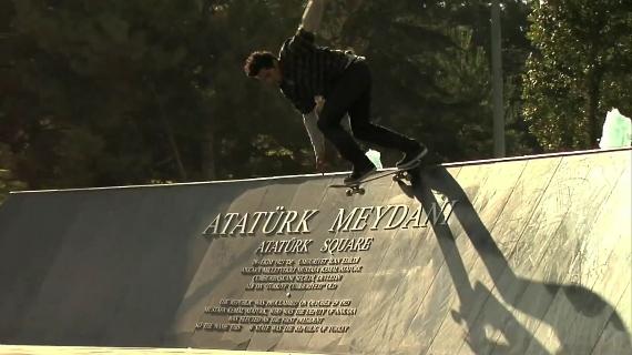 スケートボード動画 Omar Salazar