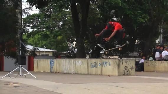 スケートボード動画 Alex Carolino